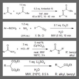 O que significa MW nas setas de equações de reações químicas?